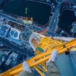 123층 롯데월드타워 꼭대기에서 사진 찍는 도시의 닌자…높은 곳이 좋은 사람들