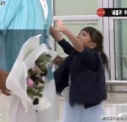 """""""아빠! 나 안아줘"""" 추사랑 말에 추성훈이 취한 행동"""