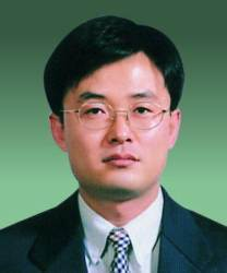 <!HS>이재용<!HE>에 징역 5년 선고한 김진동 부장판사 누구?