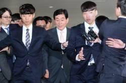 원세훈, 선거법 위반 유죄 … 징역 4년 법정 구속
