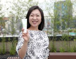 천연성분 치약 만들어 판매수익 10% 기부 … '나눔 실천' 치과의사
