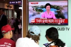 """김정은 핵무기연구소 현지지도후 핵실험, 북 방송에는 """"평화 구걸하지 않으리~""""노래"""