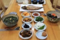 갈치조림, 성게미역국··· 제주공항 옆 동문시장서 즐기는 그맛