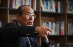 """[<!HS>직격<!HE> <!HS>인터뷰<!HE>] """"북핵에 맞서려면 한미연합사령부를 서울에 남겨야"""""""