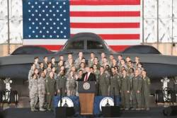 "CNN,""미 행정부, 대북 군사옵션 논의 재개했다"""