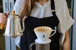'커피계의 애플'로 불리는 '블루 보틀' 이 105조 매출 네슬레에 인수된 까닭은.