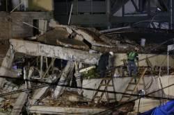 멕시코 <!HS>지진<!HE> 참사의 희망 '프리다 소피아'는 가짜였다