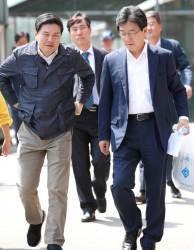 <!HS>김무성<!HE>은 무슨 생각할까…깊어지는 바른정당 통합파의 고민