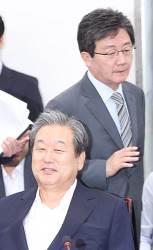 결별 수순 밟는 <!HS>김무성<!HE>-유승민...바른정당 분당 초읽기