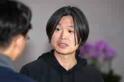 """주진우 """"<!HS>박근혜<!HE> 5촌 살인사건 '윗선 개입' 의혹""""…4시간 조사"""