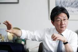 """[단독] 유승민 """"국민의당과 통합 논의 이어지면 한국당서 동참자 있을 것"""""""
