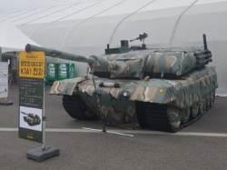 비닐로 만든 유령 탱크 '디코이' 첫선 … 발열 장치로 적외선 탐지에 일부러 걸려