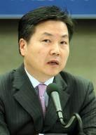 중소벤처기업부 장관에 홍종학 전 의원...'청문회' 문턱에 정치인으로 U턴