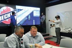 [비즈니스 인사이트] VR로 안전교육, 현장 드론 촬영 … 공사장도 디지털 바람