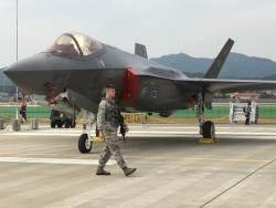 미군 5세대 스텔스 F-35A 12대, 일본에 긴급배치 왜