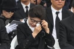 """박근령 """"<!HS>박근혜<!HE>, 민족 역사의 법정에선 무죄 받을 것"""""""