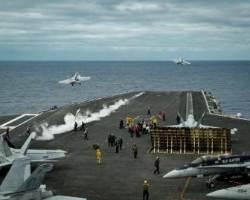 항모를 아ㆍ태 지역에 집중하는 미국…칼빈슨함, 7함대 배치 위한 훈련에 들어가
