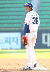 """36번 단 대표팀 주장 구자욱 """"<!HS>이승엽<!HE> 선배 허락받았어요"""""""