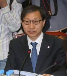 국민연금공단 이사장에 김성주 전 의원 임명