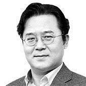 [<!HS>노트북을<!HE> <!HS>열며<!HE>] 정쟁 속 동네북 신세 된 한국 우주개발