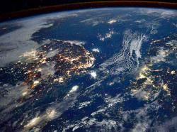 [사진] 우주정거장서 본 한·일 밤바다