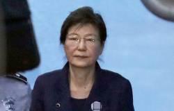 <!HS>박근혜<!HE> 전 대통령 또 출석 거부…法, 궐석재판 진행키로