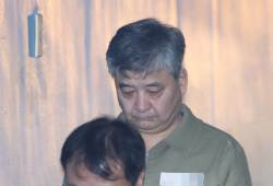 '<!HS>탄핵<!HE>반대 폭력 집회' 정광용 박사모 회장, 징역 2년 실형