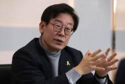 [배명복의 토요 인터뷰] 북핵 문제, 거미줄에 걸린 나비 같은 처지