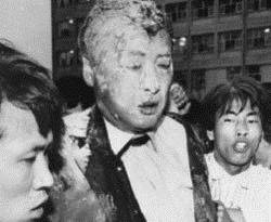 김영삼, 노무현, 이명박 맞은 계란... 잘 맞으면 국면전환, 못맞으면 독