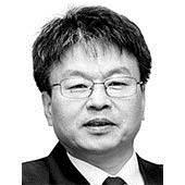 [중앙시평] <!HS>문재인<!HE> 정권에 우려되는 3대 악성 종양