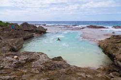 [week&] 천연수영장·별모래 해변에서 나홀로 물놀이