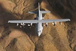 한국 날아온 전자전기··· 美 '전략 폭격기 삼총사' 모였다