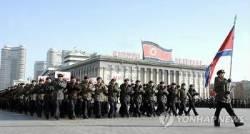 북한, 평창올림픽 하루 앞두고 북한 대규모 열병식 열 듯