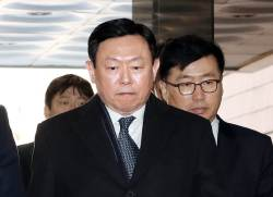 <!HS>신동빈<!HE>, 일본롯데홀딩스 대표이사직 위기 … 지배구조 변수