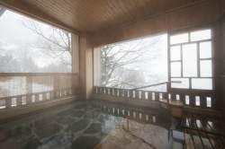 [week&] 800년 묵은 료칸서 몸 녹이고 사케 박물관 들러볼까