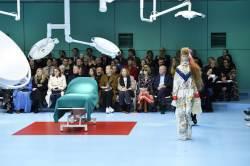 '이단'이라 욕먹은 인공숲···샤넬 패션쇼에서 생긴 일