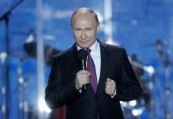 """'스파이 스캔들' 속 크림반도 찾은 <!HS>푸틴<!HE>…""""역사 바로 세웠다"""""""
