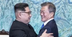 """'南 기자=작가' 폄훼한 <!HS>김정일<!HE>…정상국가 노리는 김정은 """"감사"""""""