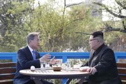 김정은 도보다리 대화 '입모양'보니…<!HS>핵무기<!HE>?미국?트럼프 반복