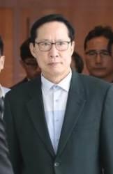 얼굴 붉힌 송영무·문정인···이번엔 B-52 폭격기 충돌