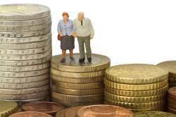 오늘은 부부의 날,유족연금 올리는 법안 국회서 1년여 낮잠