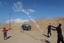 [서소문사진관] 풍선에 화염물질 달아 공격···<!HS>드론<!HE> 띄워 막는 이스라엘