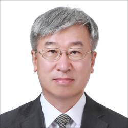 [<!HS>비즈<!HE><!HS>칼럼<!HE>]한국의 우주개발, 세계와 함께 나아가야