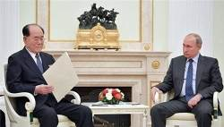 """크렘린 """"<!HS>김정은<!HE>, 푸틴 '동방경제포럼 초청'에 아직 답 안 해"""""""