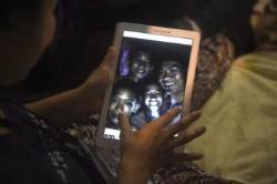 [서소문사진관] 10일의 기적 … 태국 실종자 13명 생존확인