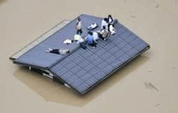 "<!HS>아베<!HE> ""상황 너무 심각""…日 폭우로 인명피해 100명 넘어서"
