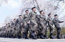 """200여명 군인 사망 참사 후 """"다리 위에선 발 맞춰 걷지 마"""""""