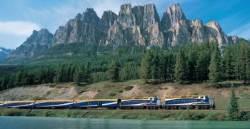 기차야? 호텔이야? 철로 달리며 즐기는 캐나다 로키