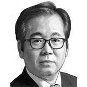 [이하경 칼럼] 만만한 중국은 사라졌다