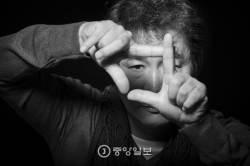 [권혁재 사진전문기자의 뒷담화] 배우 박상원이 한쪽 눈을 찡그리고 세상을 보는 이유